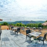 GOLF-DE-ROUGEMONT-club-house-terrasse
